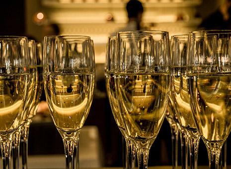 champagne-583410_1920-pixabay_465x340
